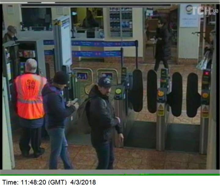 Підозрювані в отруєнні Скрипалів, фото з камер спостереження_6