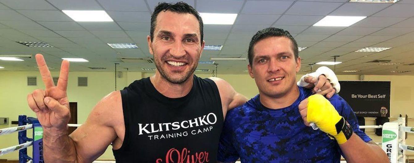 """""""Чудовий спаринг, з великим чемпіоном"""". Усик та Кличко провели запекле тренування"""