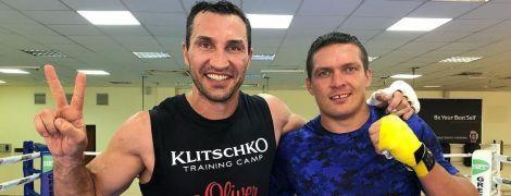 Усик провів спаринг із Володимиром Кличком перед дебютом у надважкій вазі
