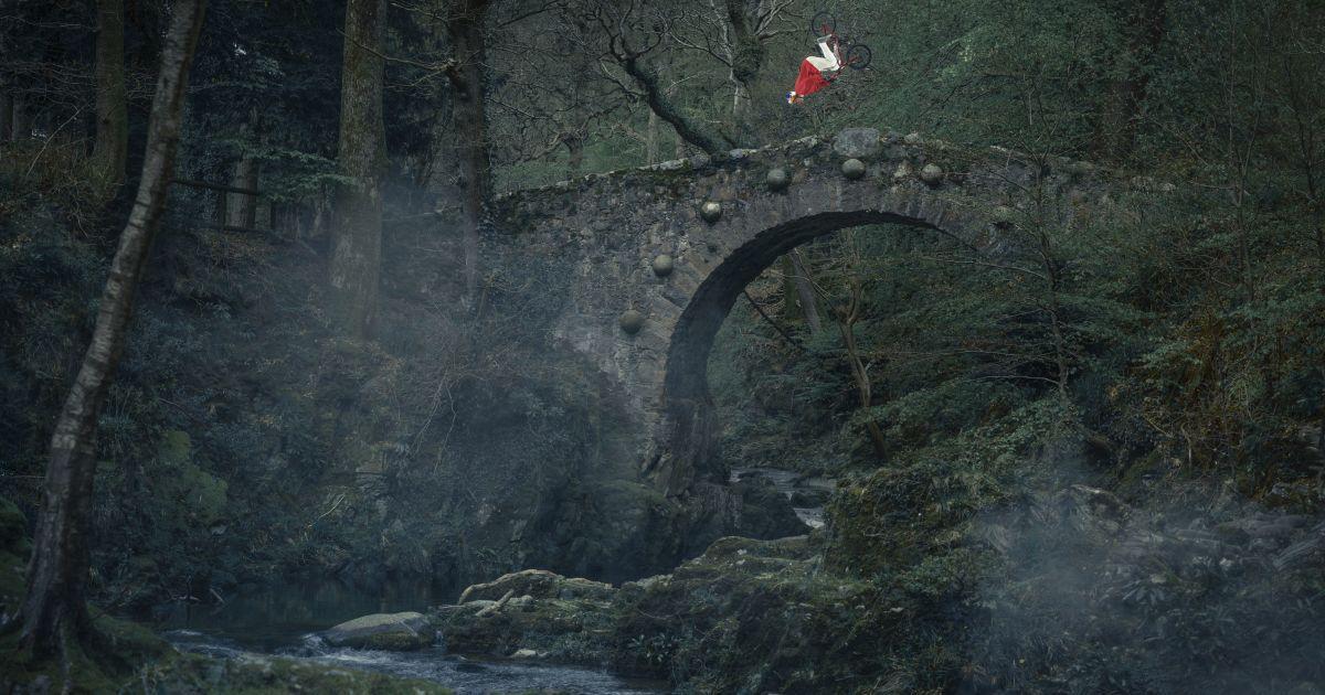 """Вінтерфел та Вестерос. Екстремал виконав видовищні трюки на локаціях з """"Гри престолів"""""""