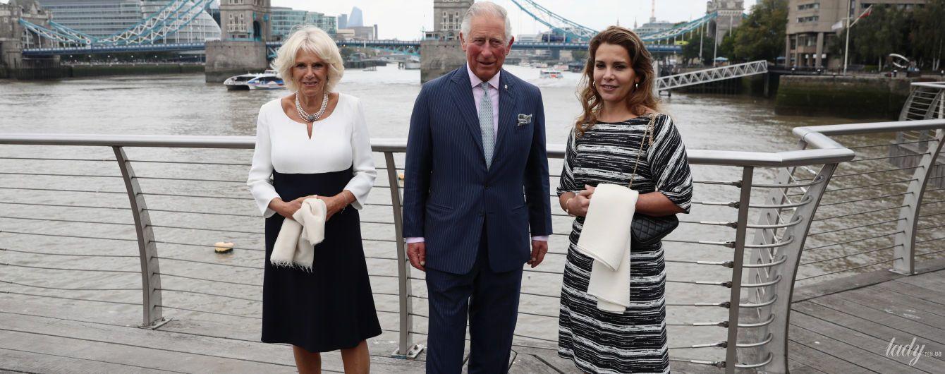 В черно-белом платье на яхте: герцогиня Корнуольская Камилла встретилась с иорданской принцессой