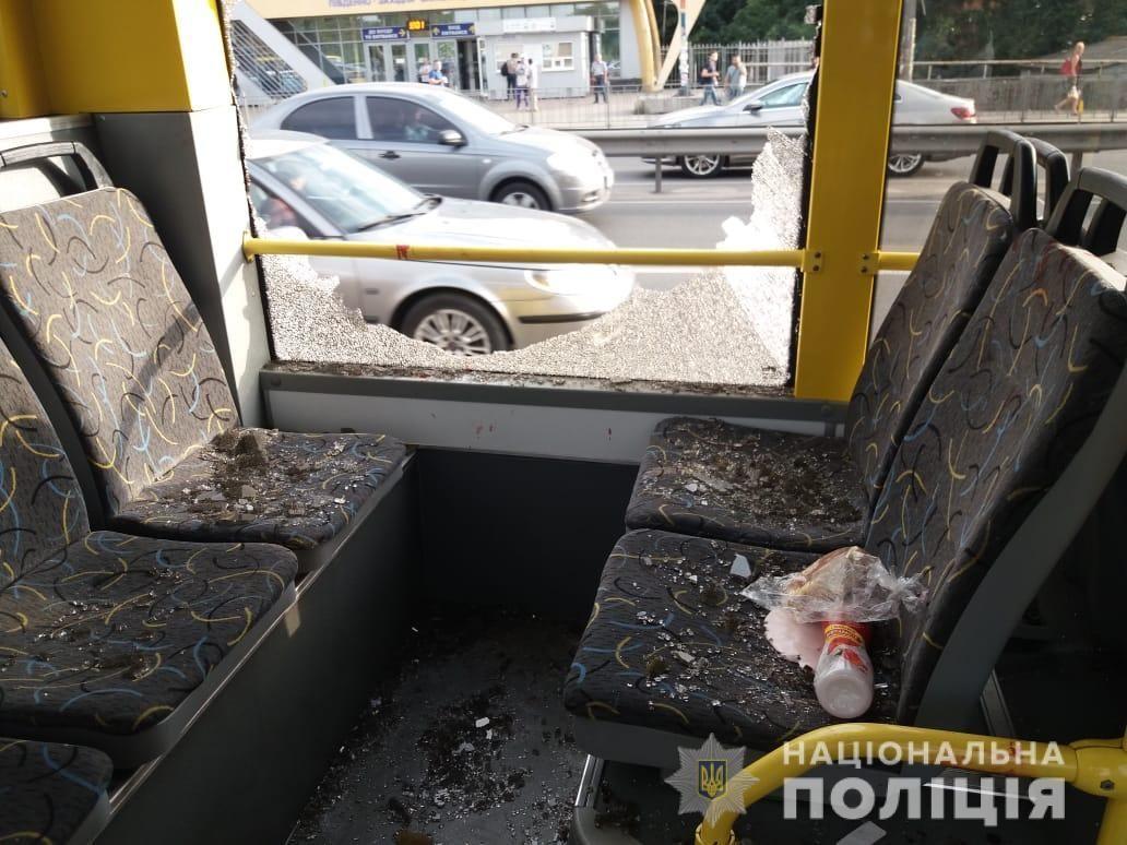 стрілянина в тролейбусі