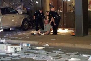 В США водій пікапу протаранив будівлю телеканалу Fox News
