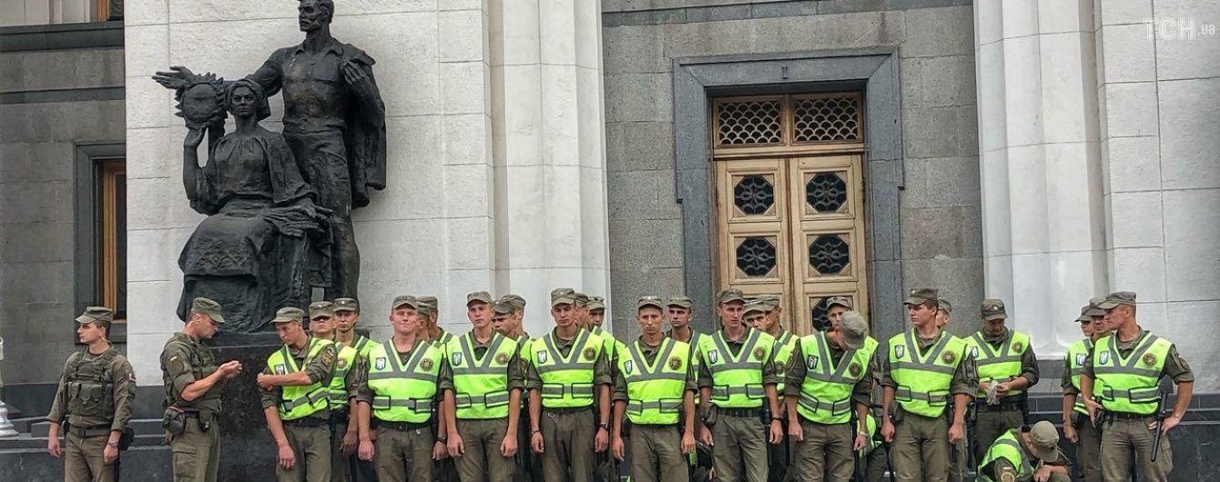 В Раду проходят пять партий, оставляя за бортом Смешко и Ляшко