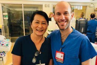 В США медсестра случайно встретила коллегу, которого лечила, когда он был младенцем