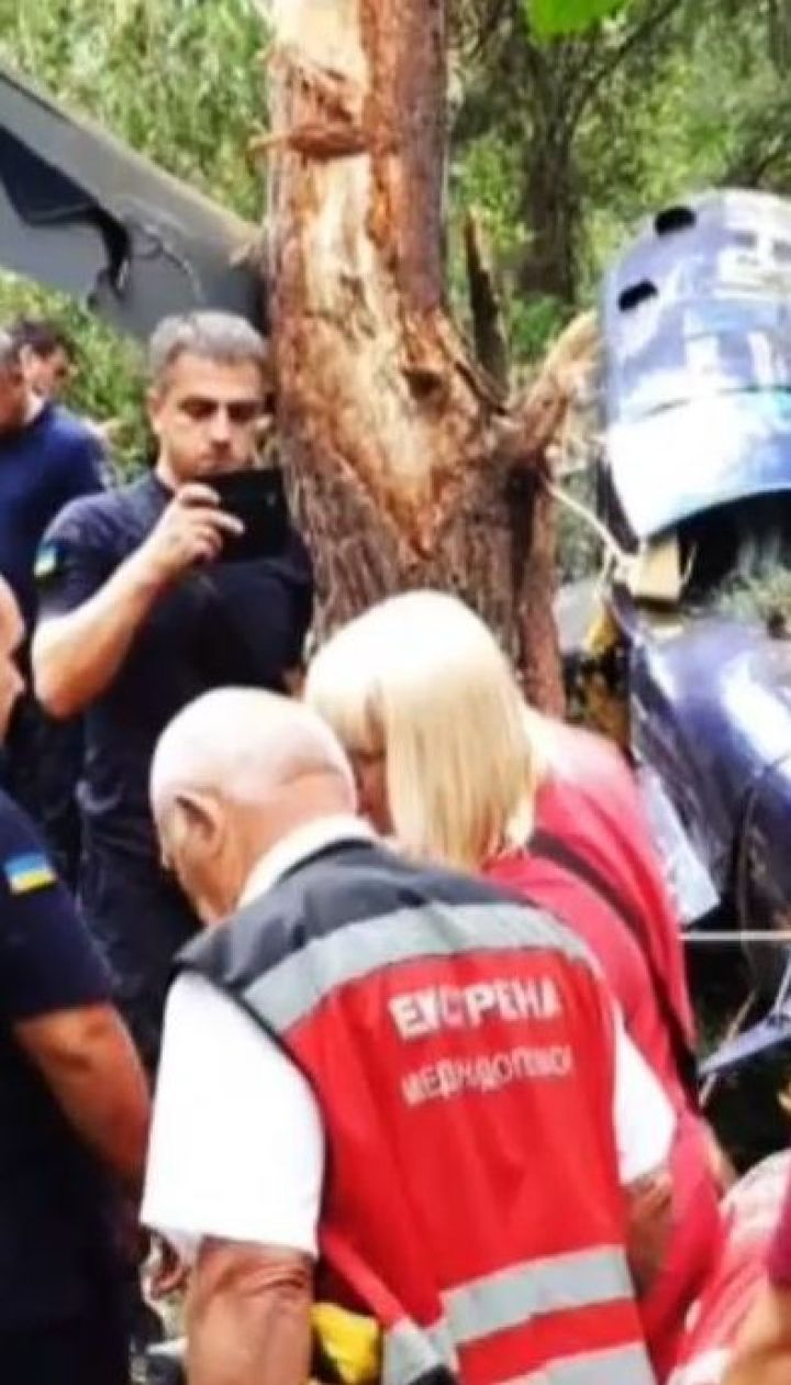 ТСН отримала кадри падіння гвинтокрила, який розбився на Трухановому острові у Києві