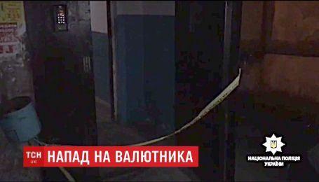 В Ровно мужчина чудом выжил после десяти ножевых ранений
