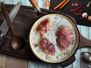 Куриные грудки под виноградным соусом