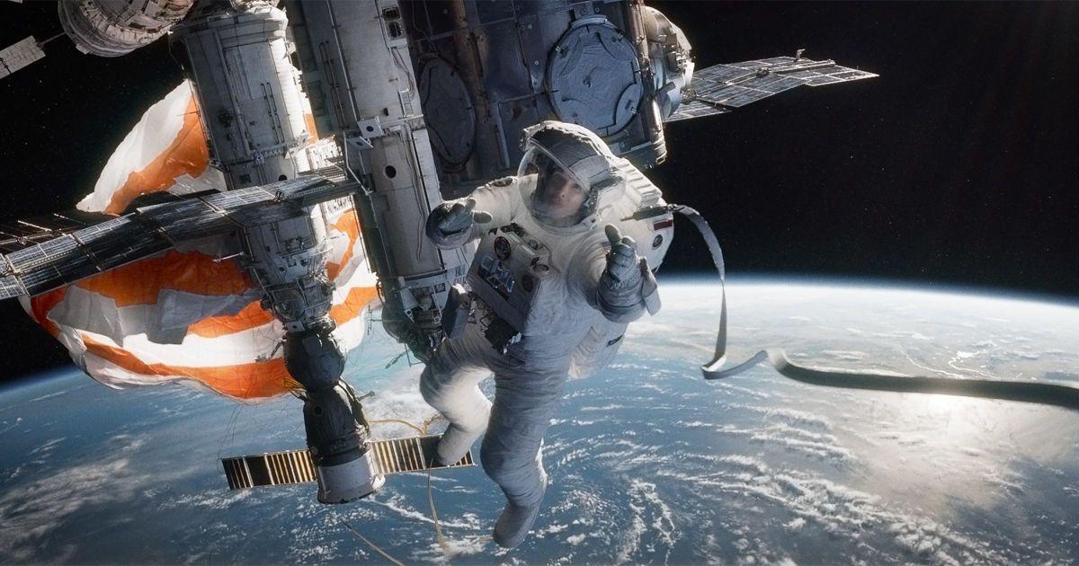 Более высокий рост и опухшее лицо: как жизнь в космосе влияет на организм человека