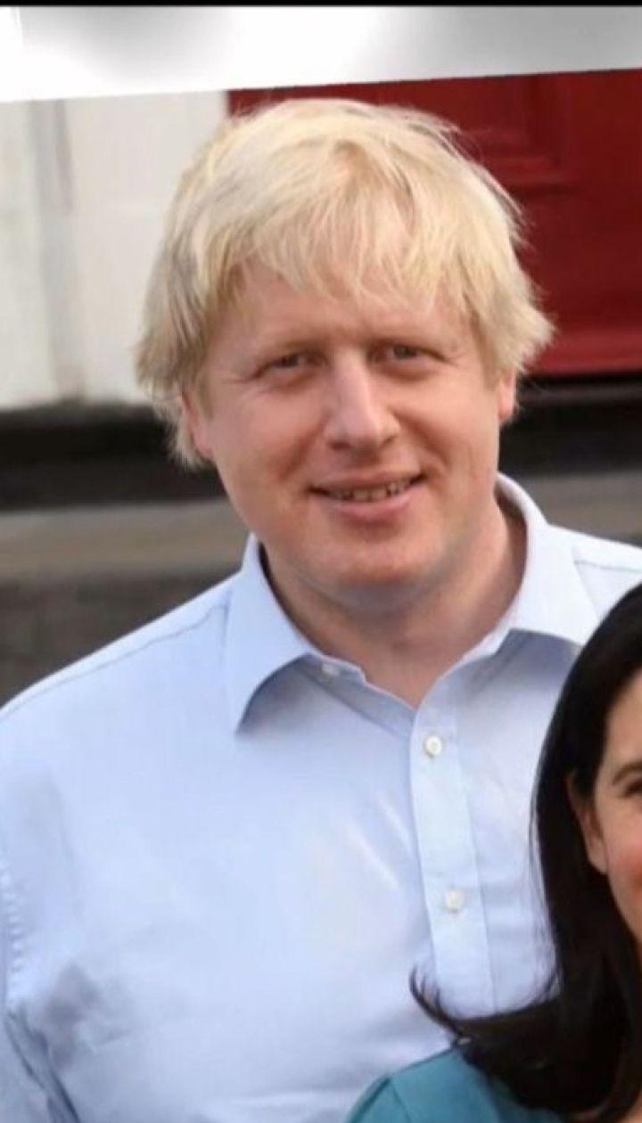 Відомого британського політика дружина вигнала з дому через зраду
