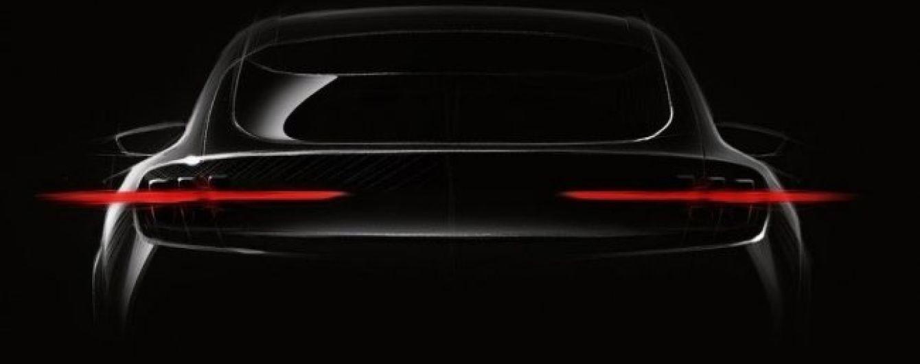 Ford показал тизер электрического кроссовера в стиле Mustang