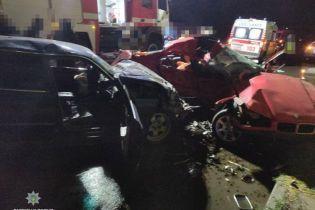 В Одесі через потужне зіткнення двох BMW загинули троє людей, ще четверо - госпіталізовані
