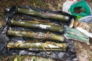 У Києві виявили схрон із гранатометами та вибуховими речовинами, привезеними з Донбасу