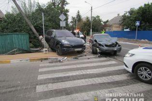 """Под Киевом автомобиль """"вылетел"""" на тротуар и убил случайного прохожего"""