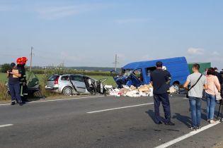 На Прикарпатті зіткнулись легковик та мікроавтобус із пасажирами, загинули діти
