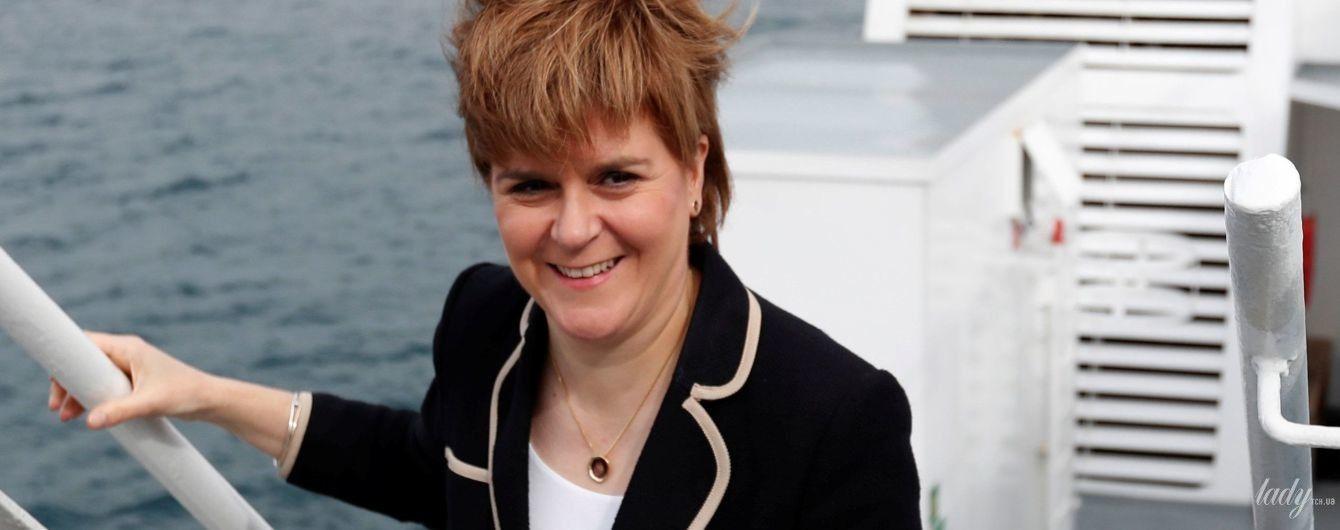Первый министр Шотландии надела на церемонию старый костюм