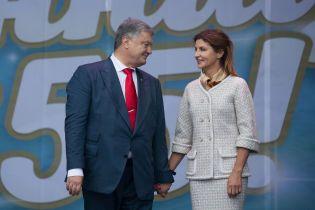 Порошенко на річницю весілля повіз дружину до Вінниці