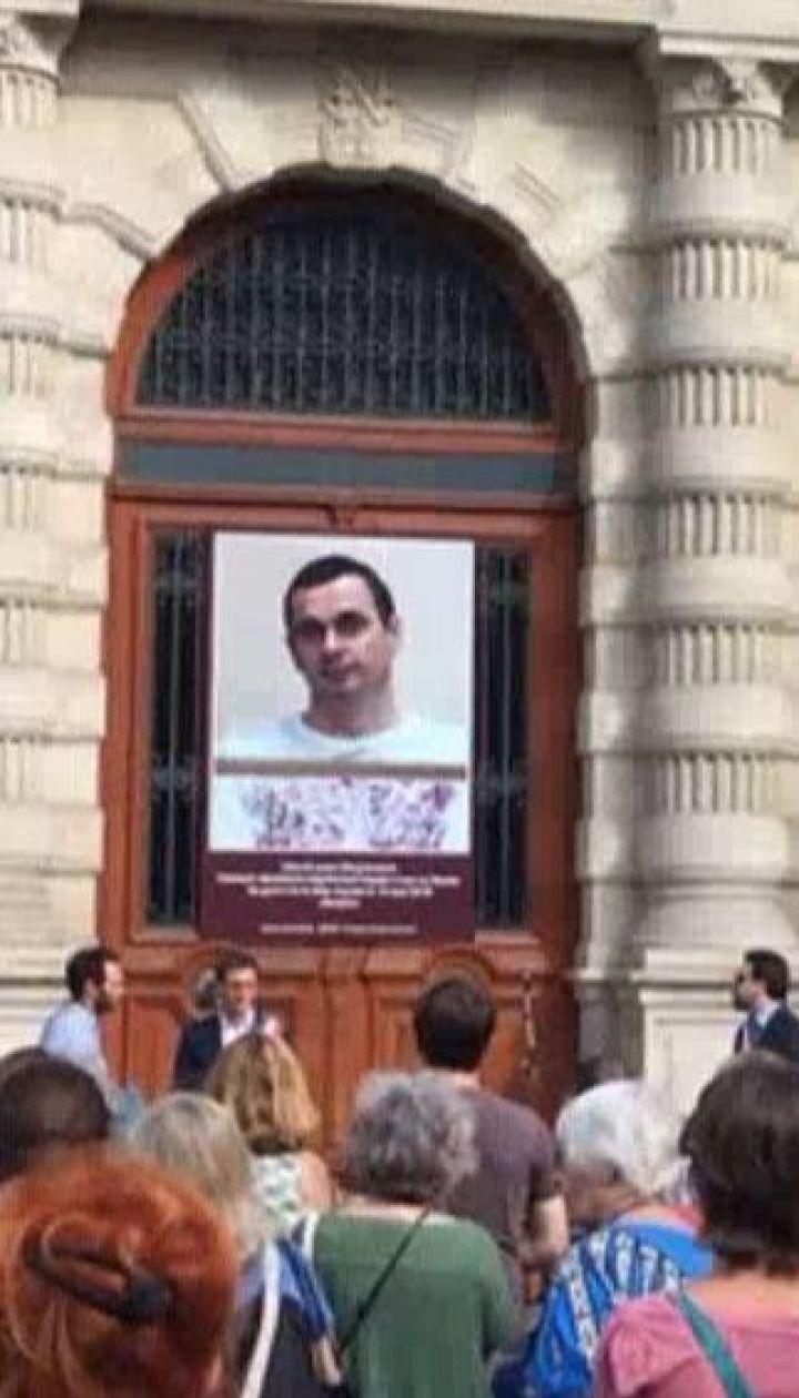 Порошенко назвав Сенцова символом нескореності та мужності