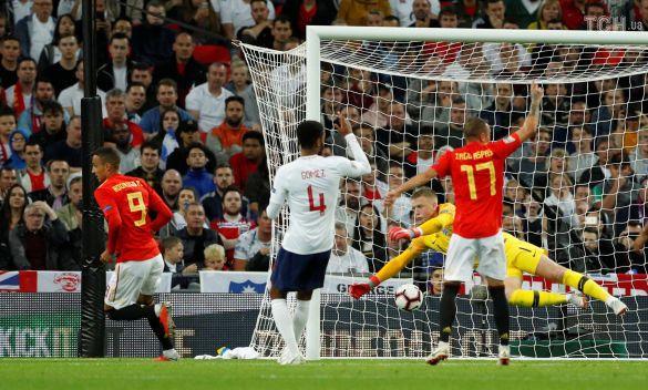 Родріго забиває гол, Англія - Іспанія