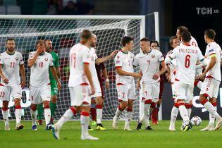 """""""Кто не скачет, тот москаль"""": белорусские фанаты горячо поддержали Украину во время матча Лиги наций"""