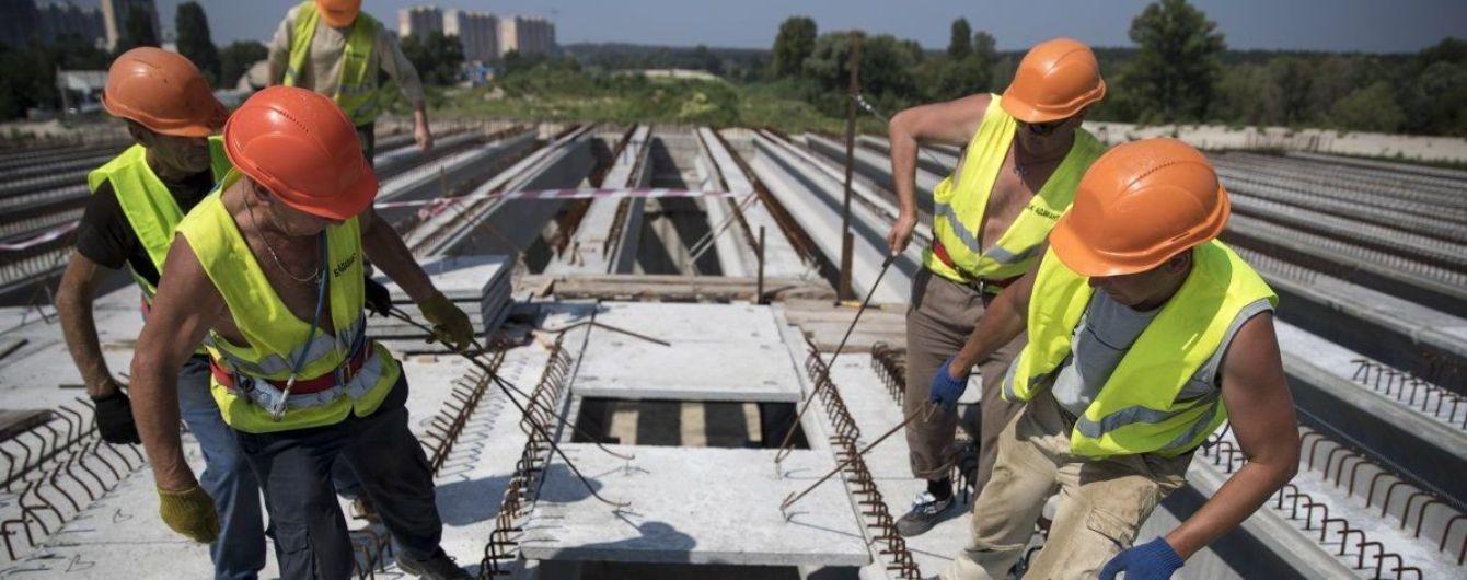 Зарплати будівельників зросли до 10 тисяч гривень