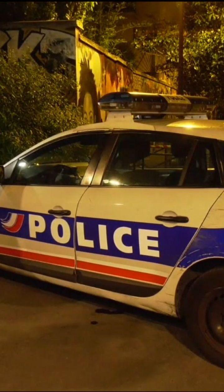 В Париже мужчина напал на прохожих, семеро раненых