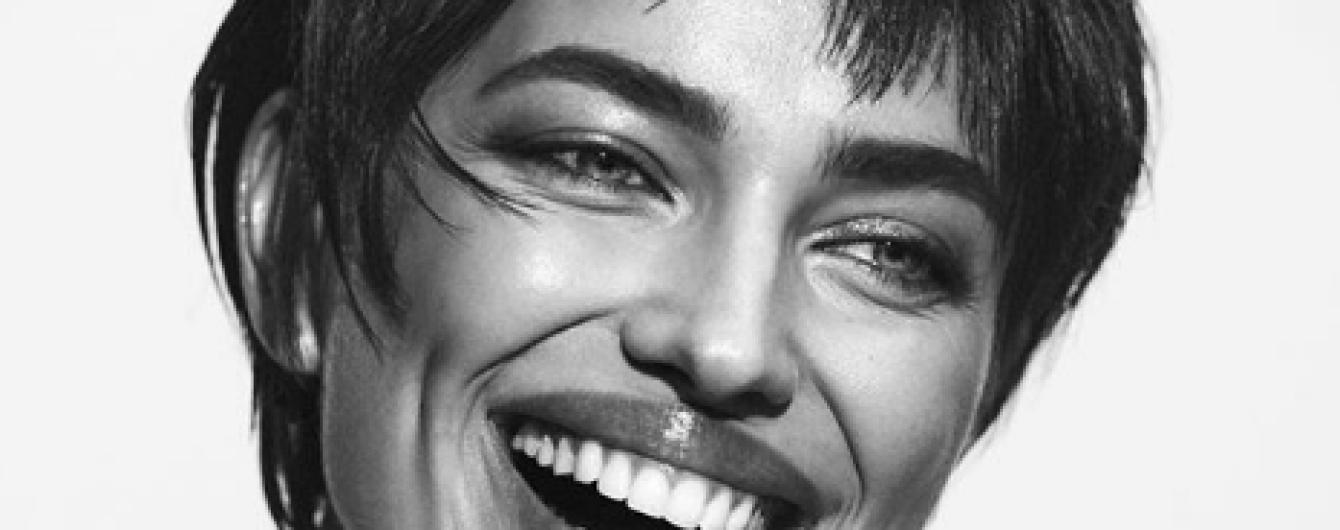 Змінила імідж: Ірина Шейк з короткою стрижкою знялася в новому фотосеті