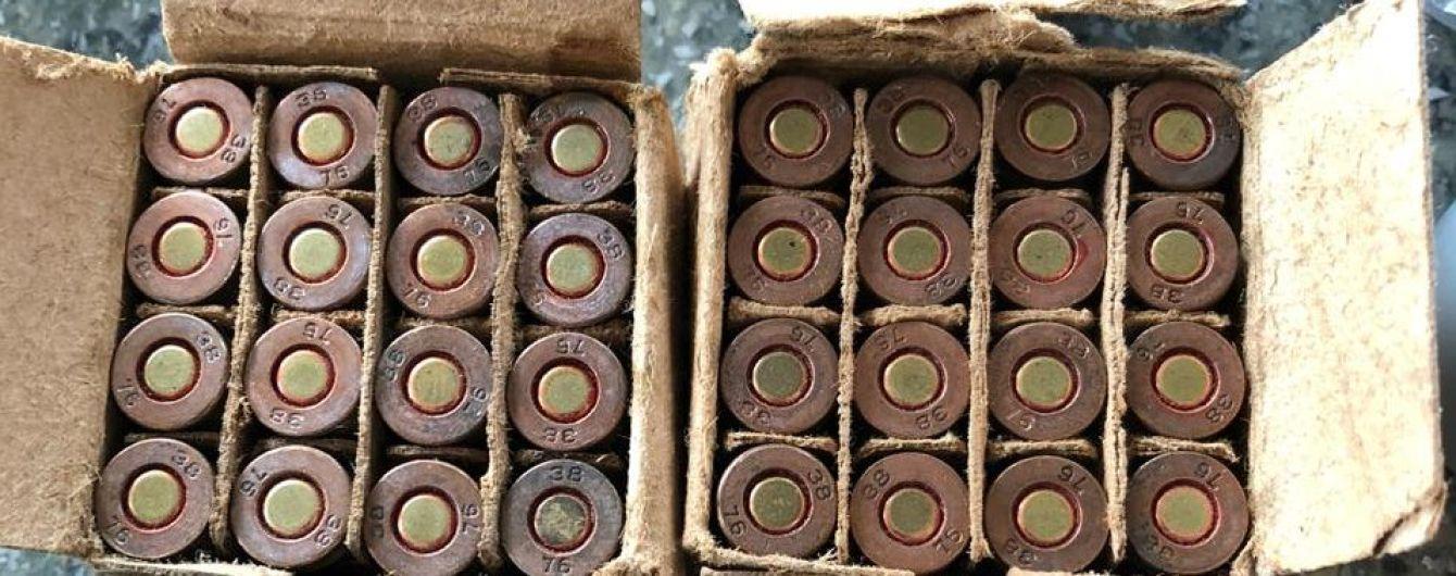 На Львівщині у священика знайшли арсенал зброї