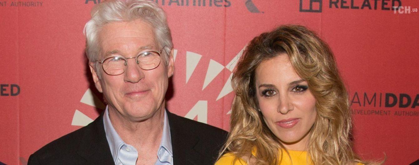 69-річний Річард Гір та його молода дружина чекають на спільну дитину – ЗМІ
