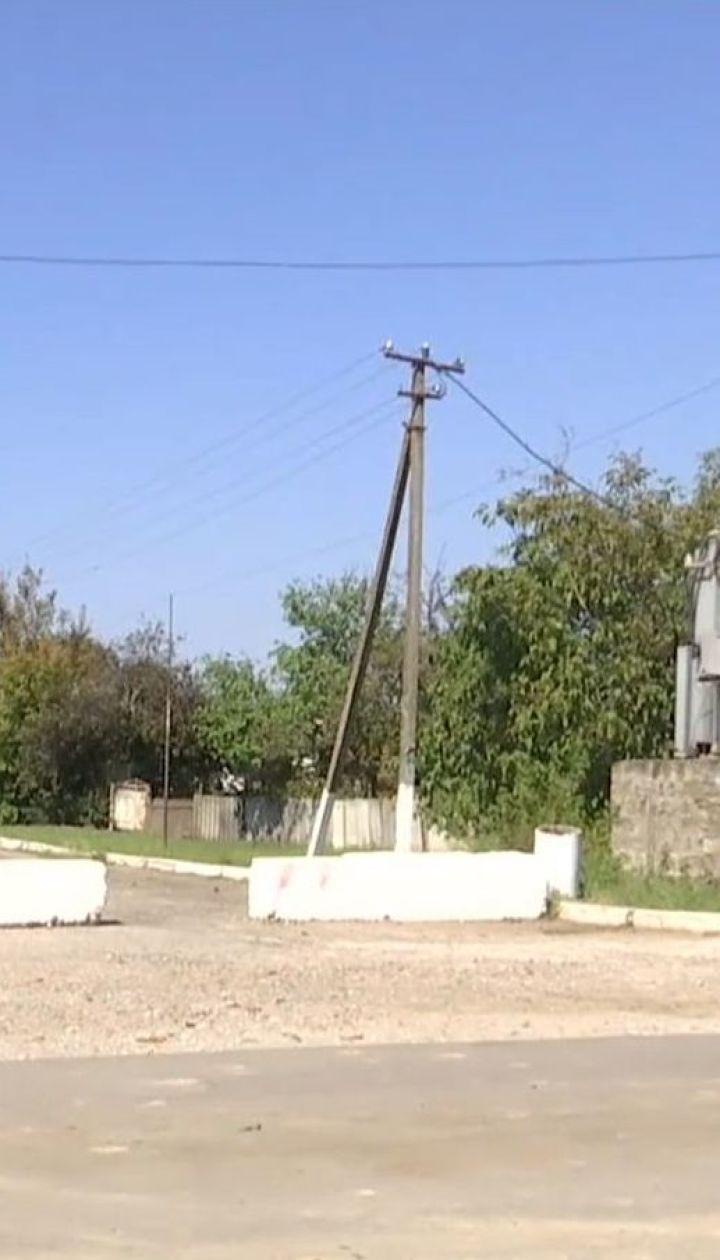 """На Херсонщине проводят спецобработку территории, пострадавшей от химических выбросов с завода """"Титан"""""""