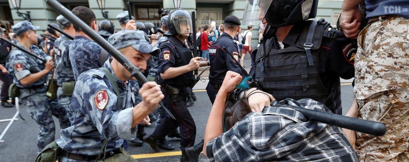 Более тысячи задержанных и дела о нападение на копов: последствия массовых протестов в России