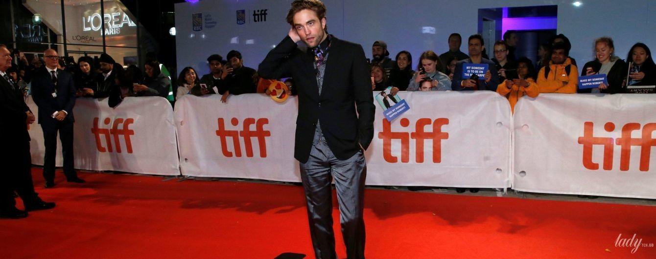 У хорошій формі і м'ятих штанях: Роберт Паттінсон на кінофестивалі в Торонто