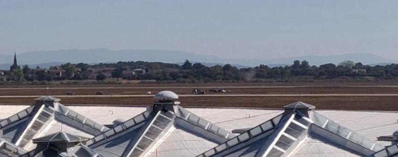 У Франції невідомий влаштував перегони з поліцією на льотному полі аеропорту