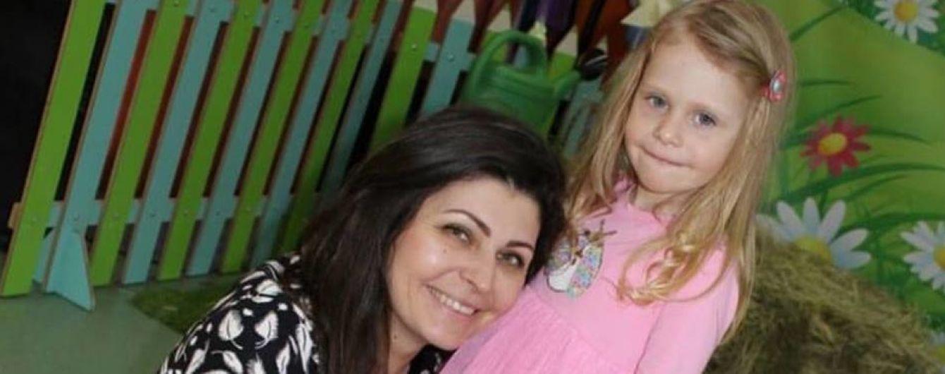 У мережі збирають гроші на порятунок 4-річної Таї, котра впала в окріп