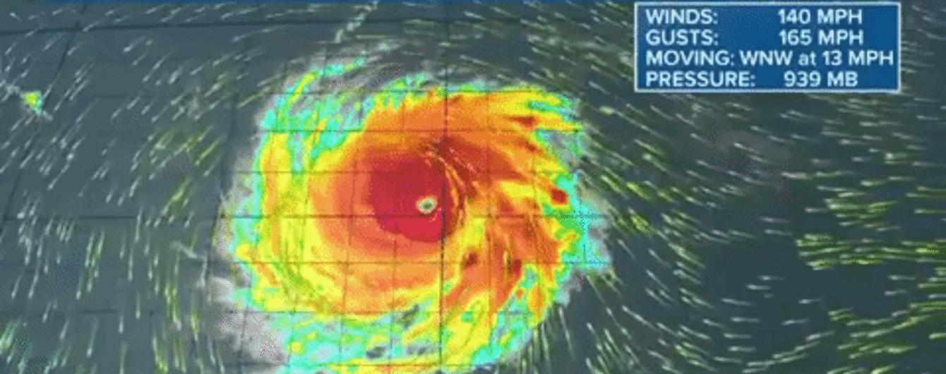 В США эвакуируют миллион людей из-за самого мощного за три десятилетия шторма