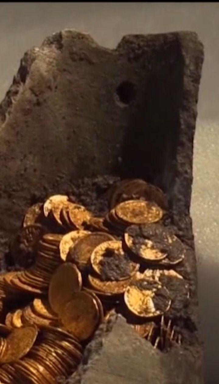 На півночі Італії будівельники відкопали глечик із стародавніми золотими монетами