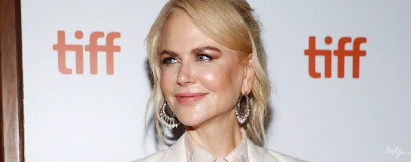Во всем белом: Николь Кидман в стильном образе появилась на кинофестивале