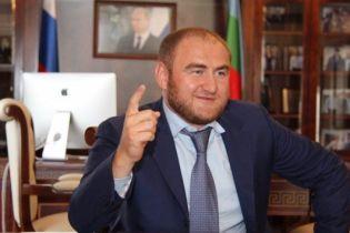 У Росії затримали сенатора просто під час засідання парламенту