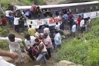Десятки паломников стали жертвами аварии в Индии