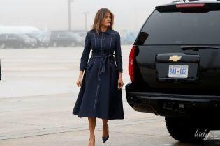 У стильному плащі і пітонових човниках: новий вихід Меланії Трамп