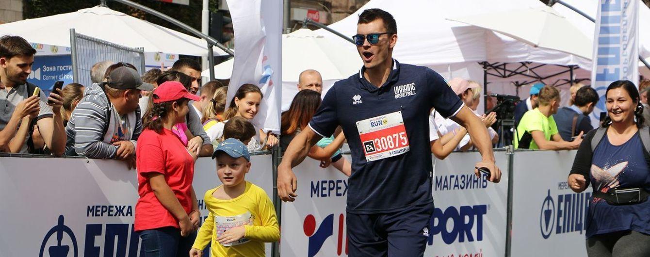 Баскетболисты сборной Украины поучаствовали в благотворительном забеге перед важным матчем на Чемпионат мира