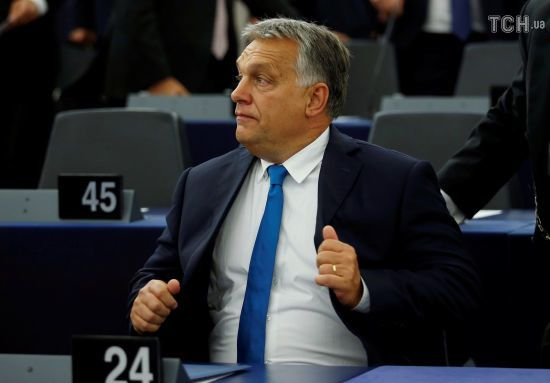 В Угорщині припинили антикорупційне розслідування проти зятя Орбана. У Євросоюзі обурені