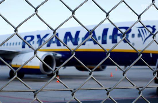 Ryanair скасував 150 рейсів через страйк пілотів та бортпровідників у Німеччині