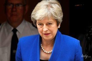 В синем жакете и с жемчужным ожерельем: Тереза Мэй выступила на саммите