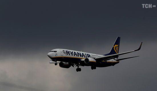 Члени екіпажів Ryanair оголосили про страйк у п'яти країнах