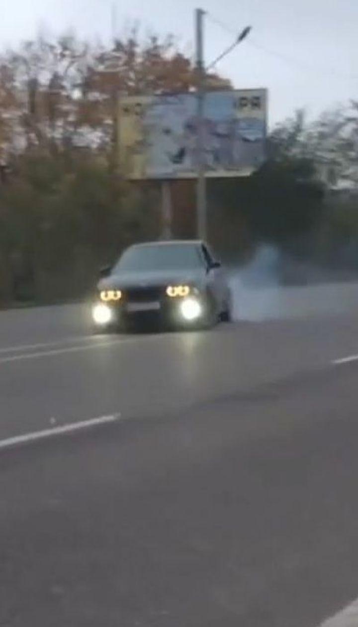 Одесситов призывают снимать уличные гонки и нарушения на телефоны и передавать полиции