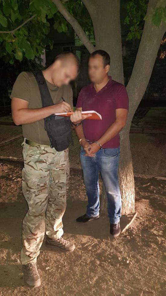 На Донеччині на хабарі в 48 тис. грн затримали очільника спецпідрозділу, яке бореться з контрабандою