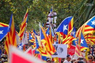 Міська влада Барселони закликала знищити монархію в Іспанії