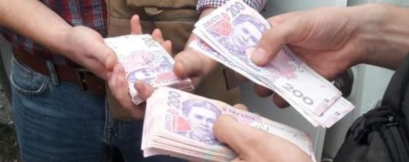 На Луганщине временного начальника отдела полиции поймали на взятке в 140 тыс. грн