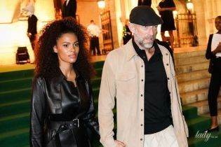 У шкіряному плащі, на лубутенах і під руку з чоловіком: Тіна Кунакi в Парижі